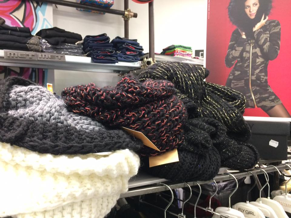sciarpe colorate di lana