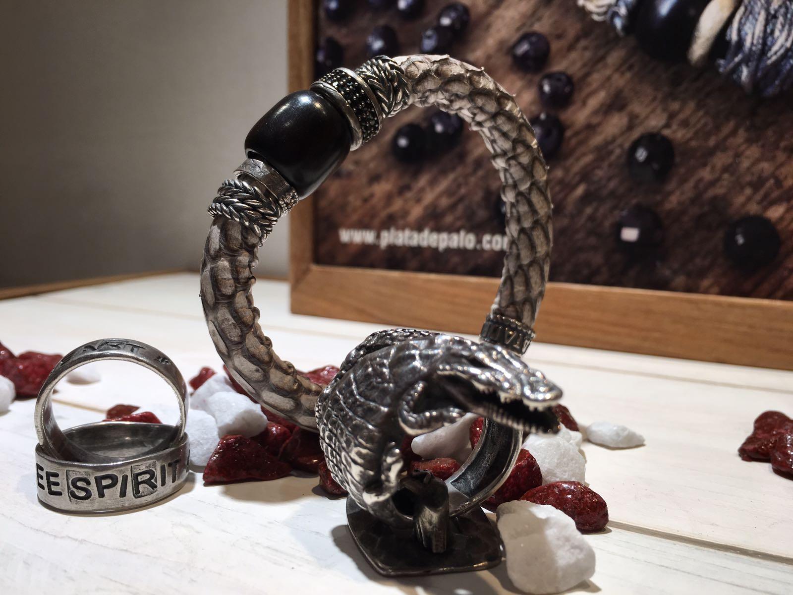 bacciale e anello serpente