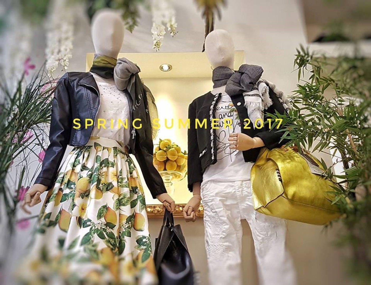 due manichini vestiti