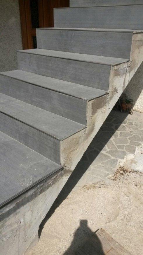una scala in muratura