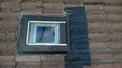 un lucernario su un tetto dopo il rinnovamento