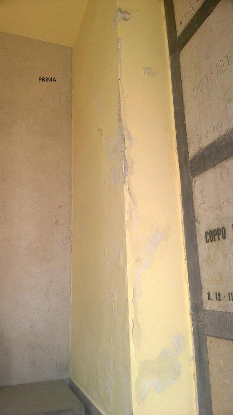un muro sverniciato