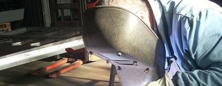 Carpentiere meccanico al lavoro