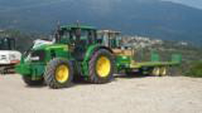 trattore verde