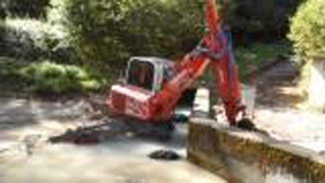 lavori di demolizione parete