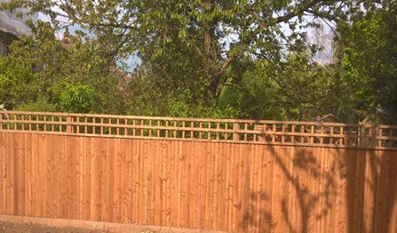 feather edge fencing installer