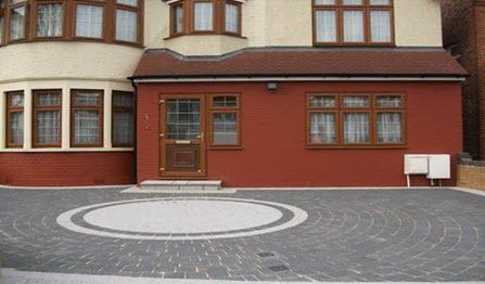 patterned driveway circle