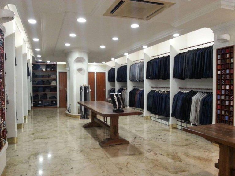 Il negozio di abbigliamento uomo