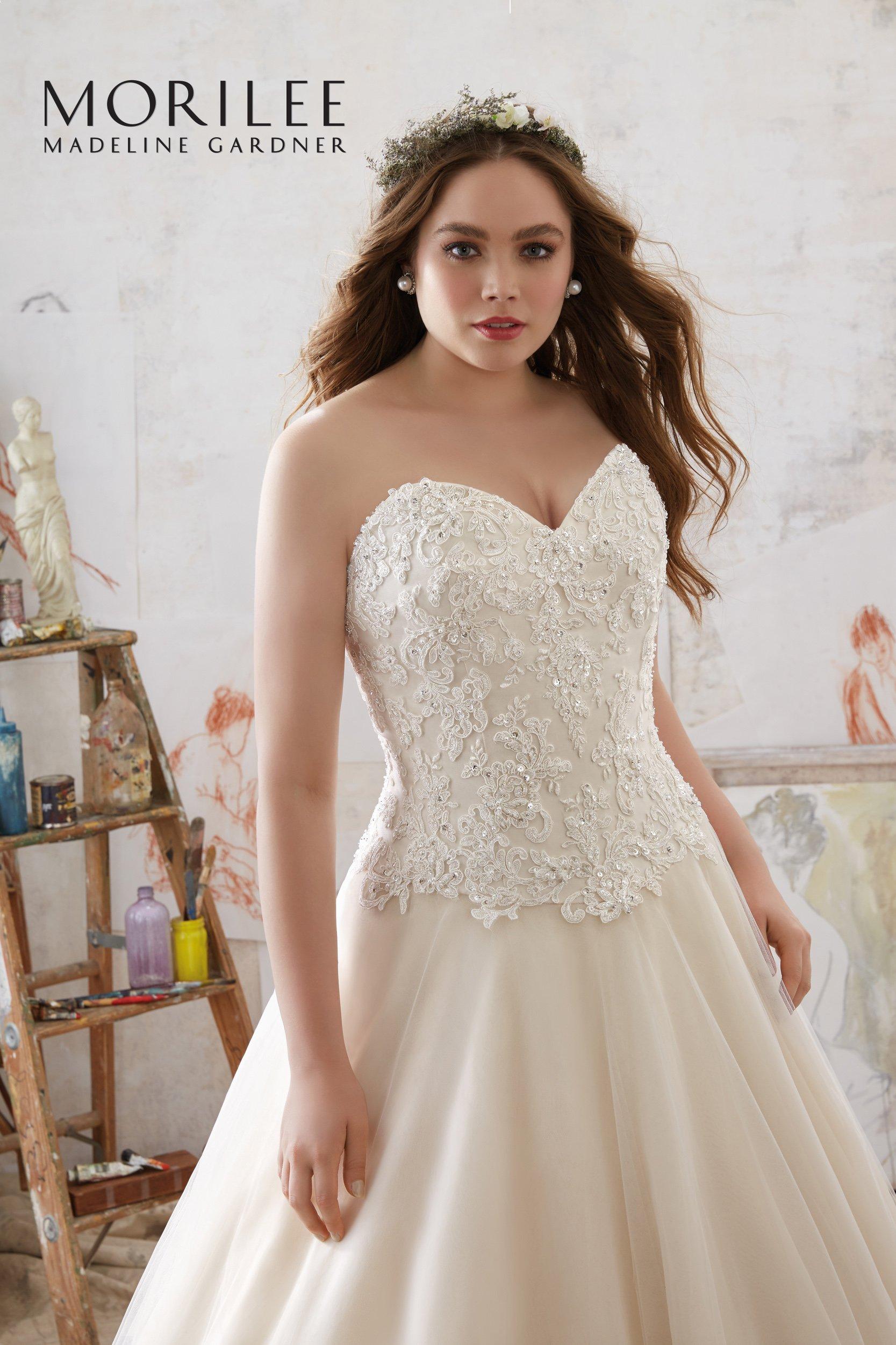 vestito da sposa con busto in pizzo