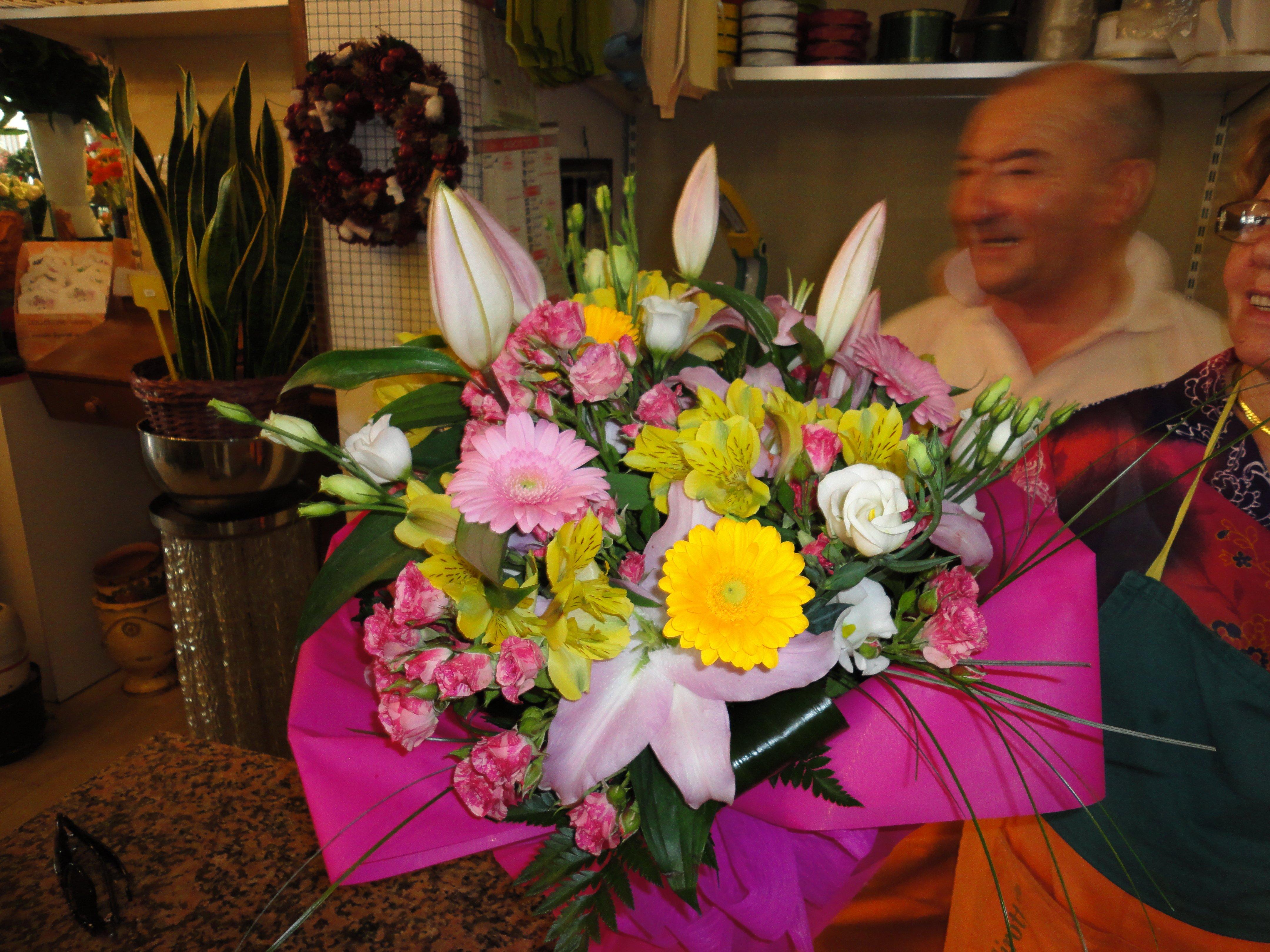 mazzo di fiori colorati