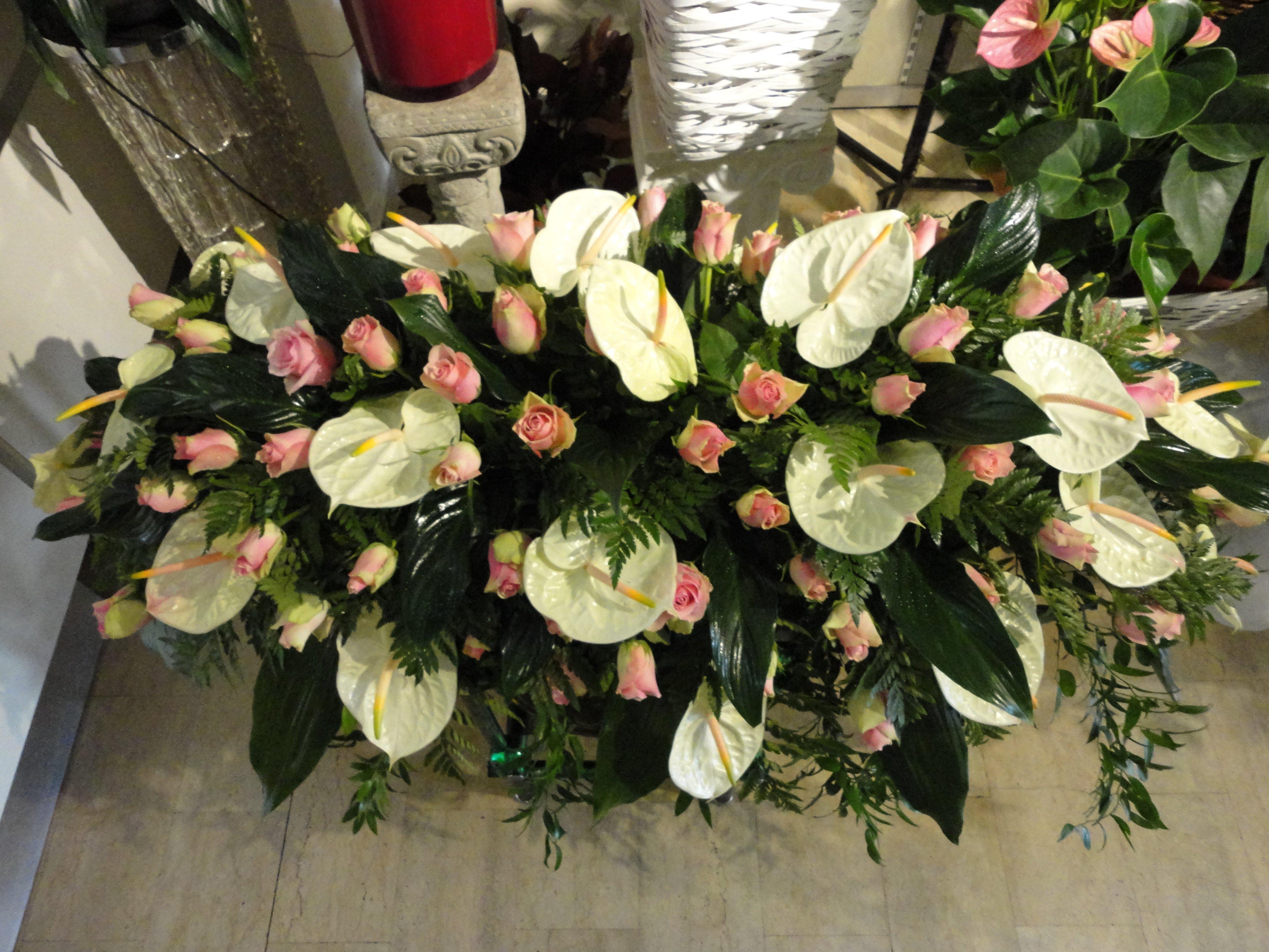composizioni funebri orchidee