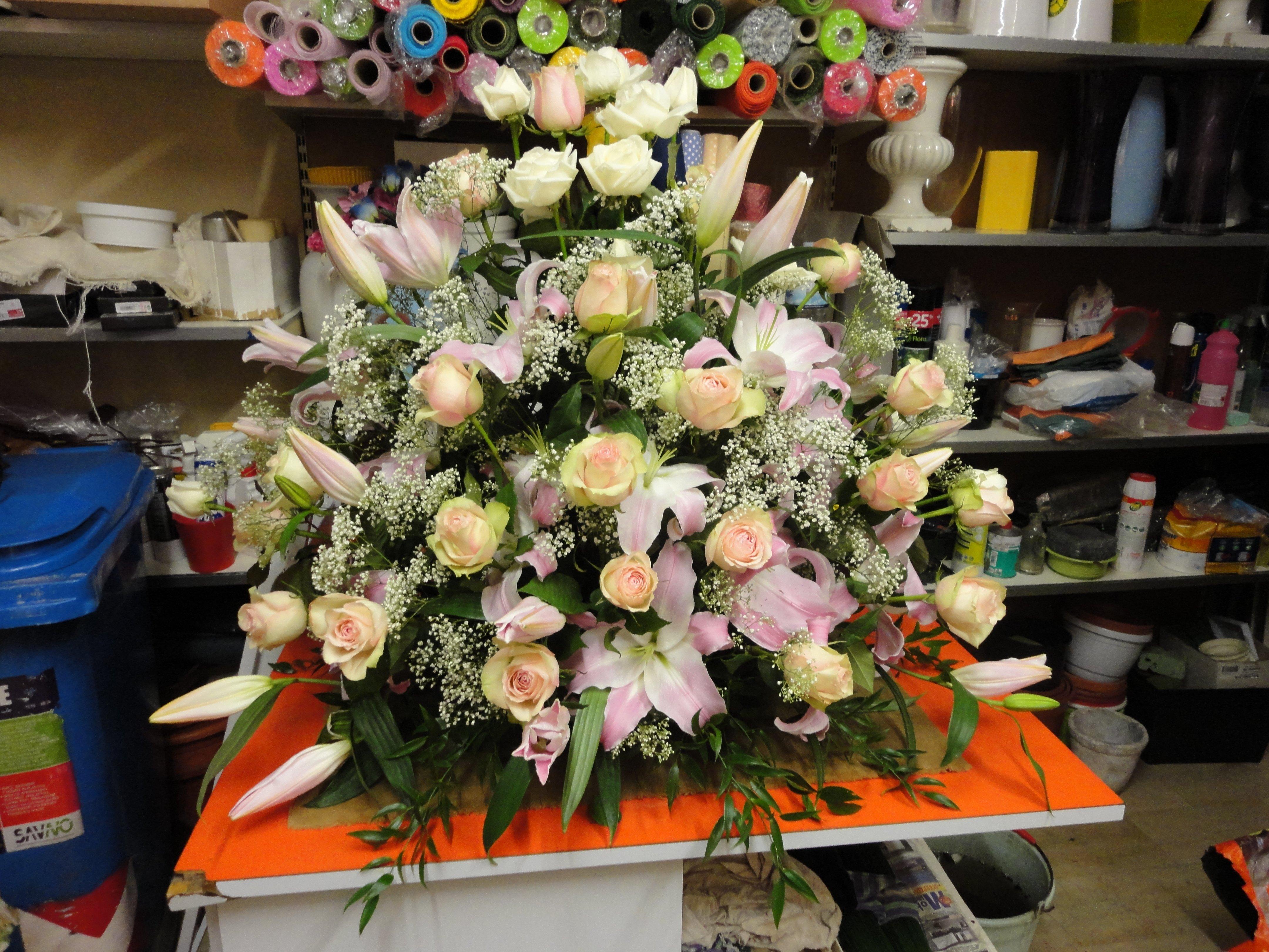grande mazzo di fiori per cerimonia