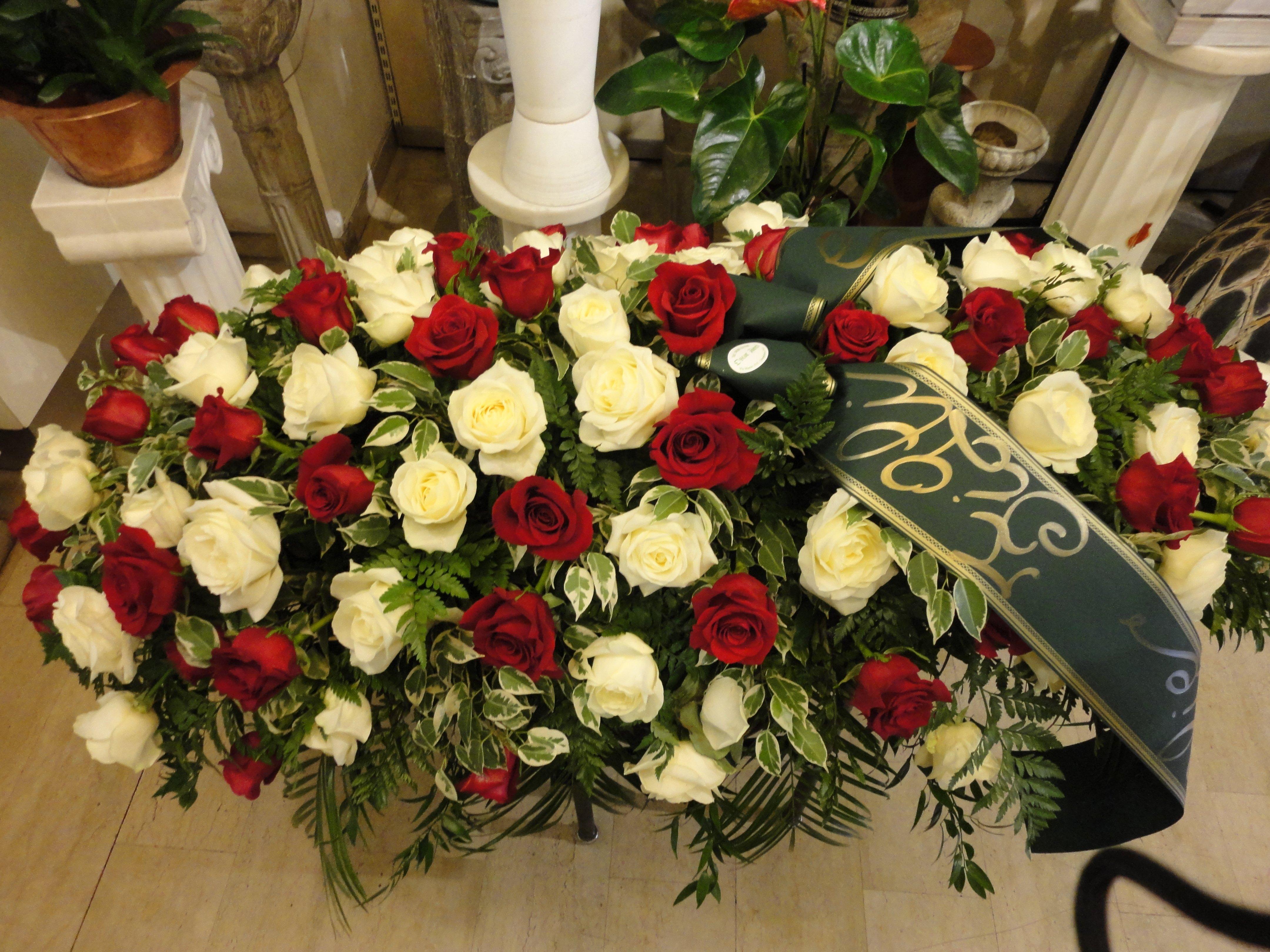 copricassa rose bianche e rosse