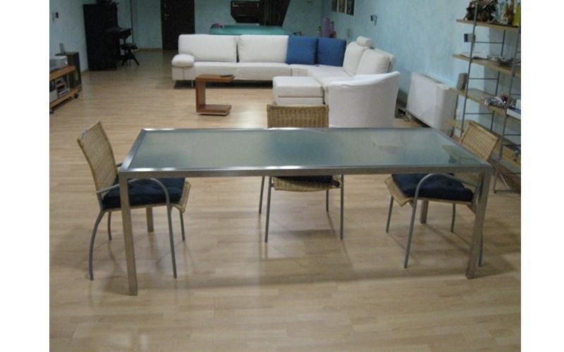 Tavolo e sedie acciaio inox