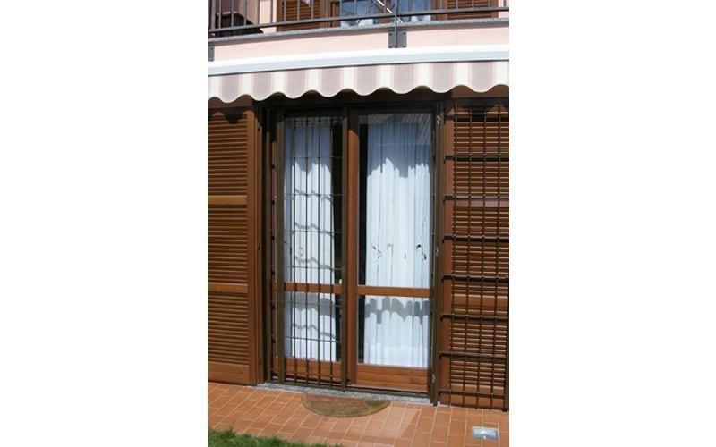 grata acciaio per porta finestra