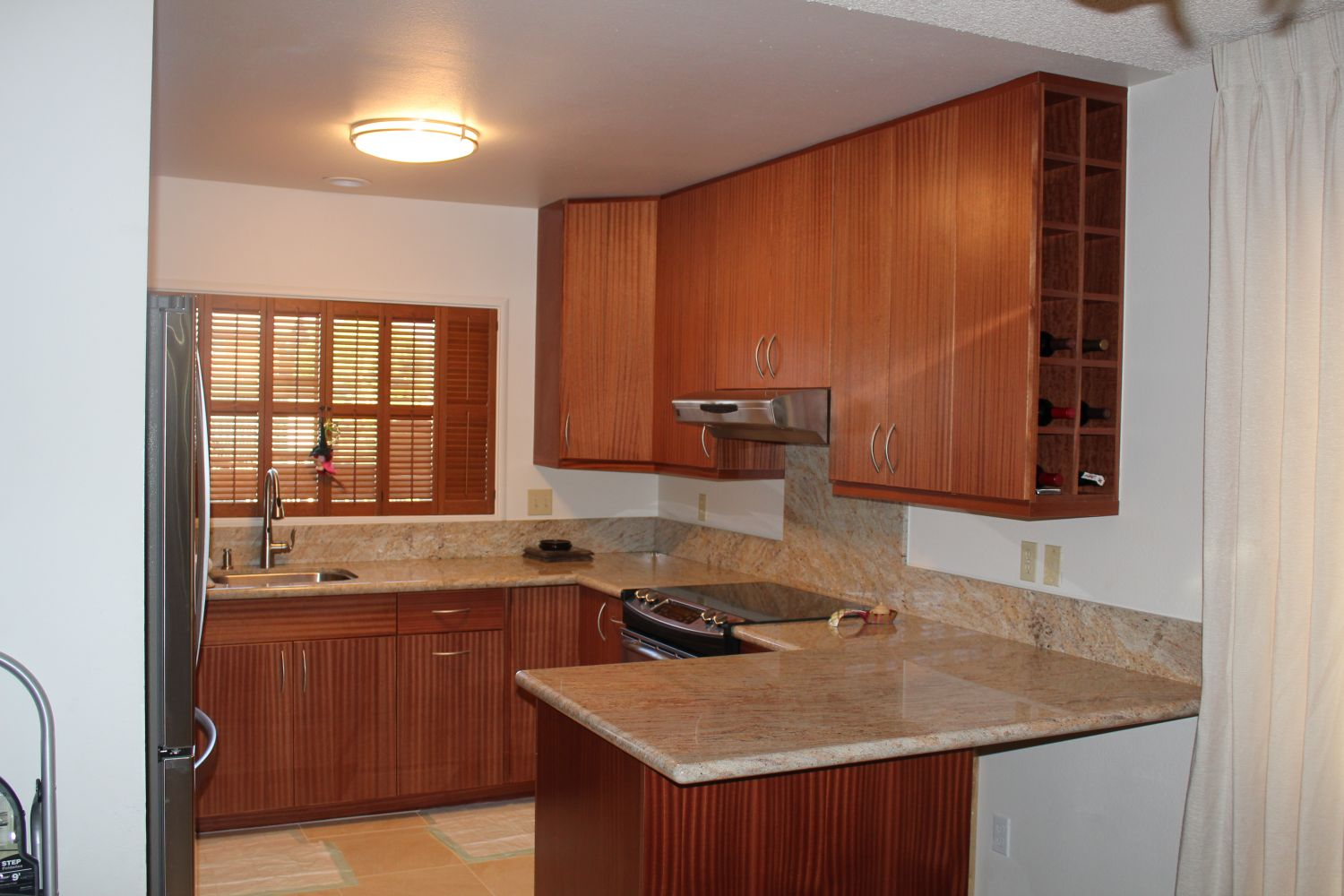 kitchen cabinets in Honolulu, HI.