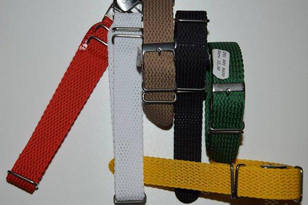 dei cinturini di colori diversi