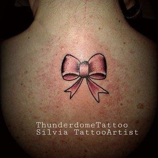 Tattoo con fiocco