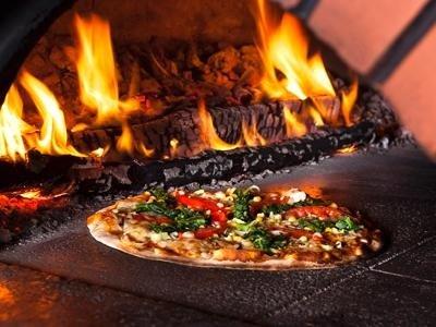 pizza forno a legna roma