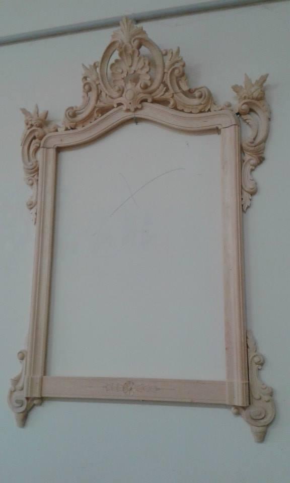 Cornici in legno grezzo per specchio in stile barocco a Marano di Napoli