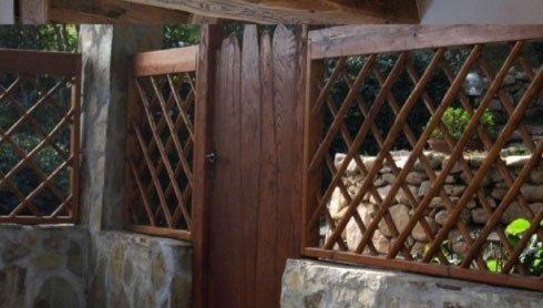Foto in prospettiva di grate in legno