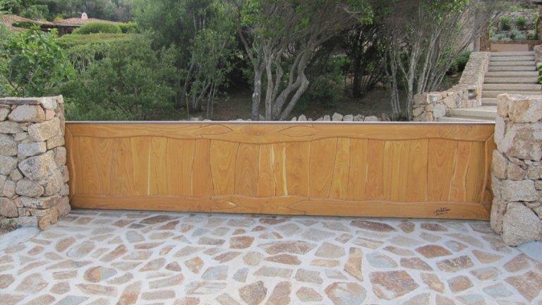 cancellata esterna in legno