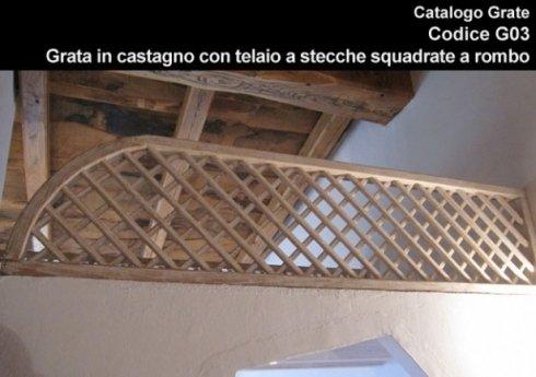 Grata in castagno con telaio a stecche squadrate a rombo