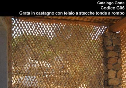Grata in castagno con telaio a stecche tonde