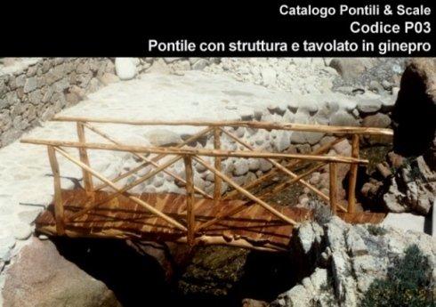 Pontile con struttura e tavolato in ginepro