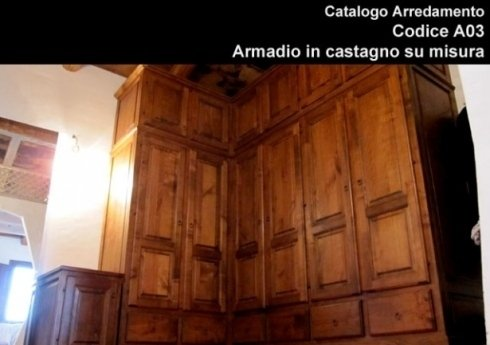 Armadio in castagno scuro