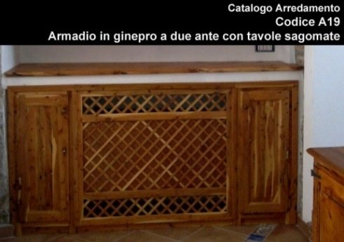 Armadio in ginepro a due ante