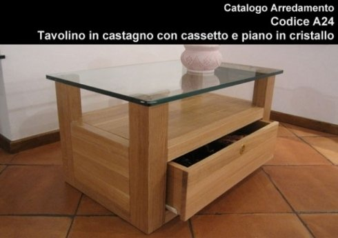 Tavolino in castagno con cassetto e ripiano in vetro