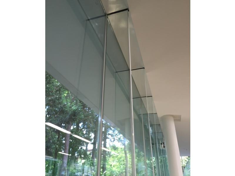 facciate in vetro e alluminio 2