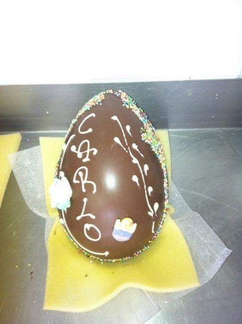 uova personalizzate cioccolato Pasqua Genova