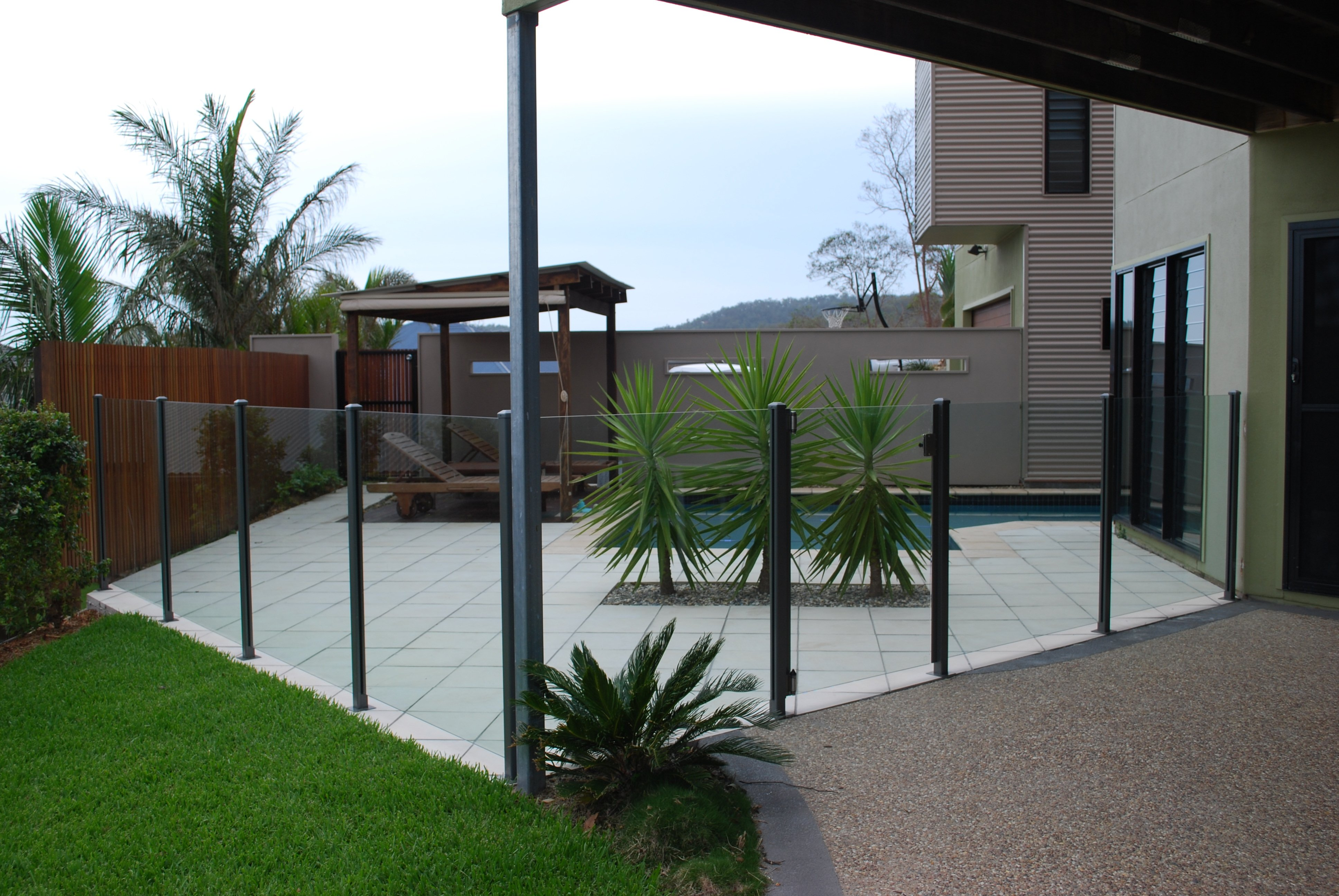 kelmac fencing and gates glass fencing