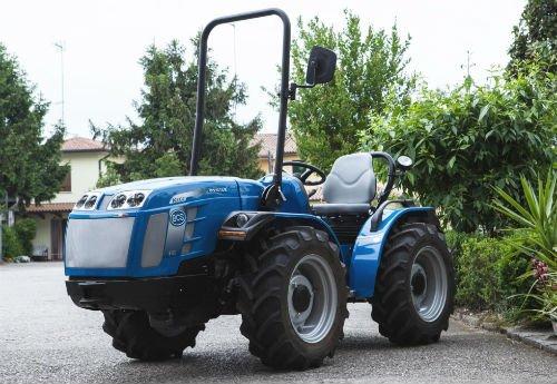 trattori agricoli