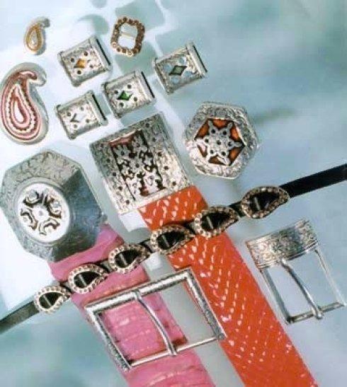 Produzione fibbie e accessori per cinture