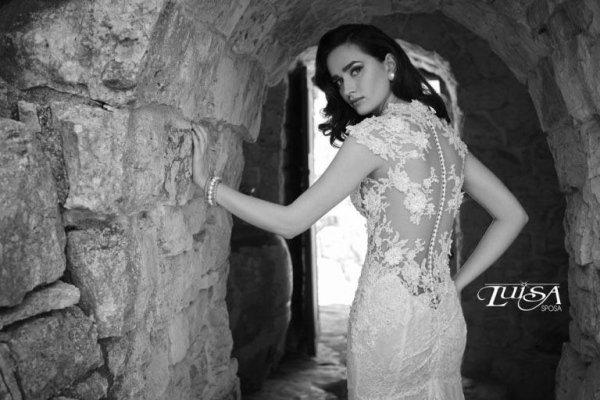 abito scollato sposa