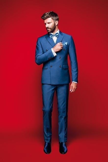 Vestito blu sposo