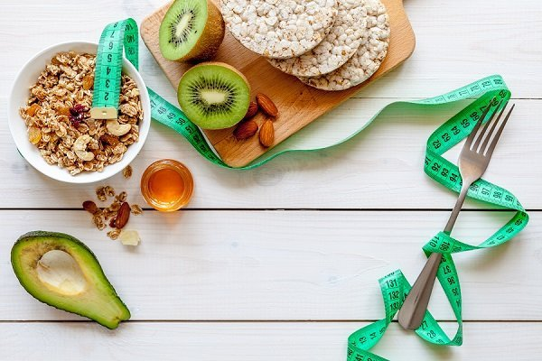 Cereali, avocado e kiwi
