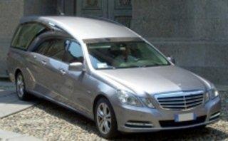 automobile funebre