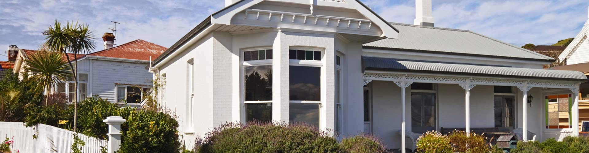 Queenslander and Colonial style house