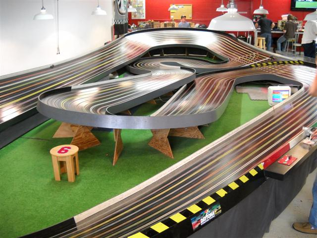 SLOT CAR DRAGS (407) 947-7478
