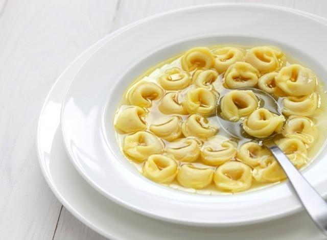 Tortellini in brodo Bologna