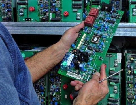 assistenza tecnica su componenti