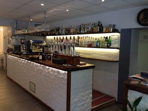 vista laterale bancone bar