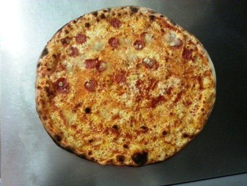 pizza salamino