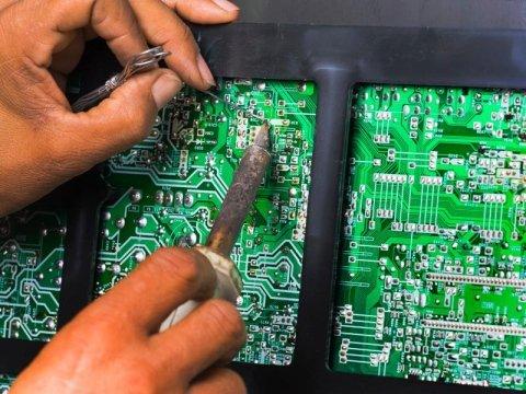 manutenzione di impianti elettrici civili