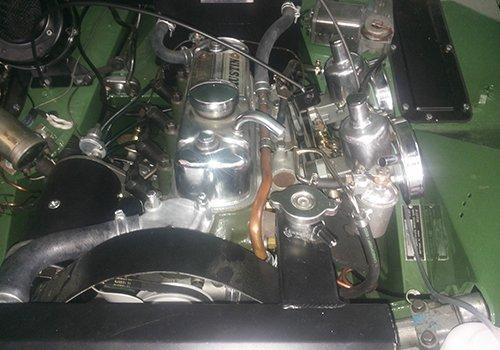 il motore di una macchina d'epoca