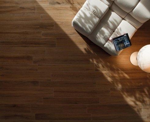 pavimento effetto legno piastrelle